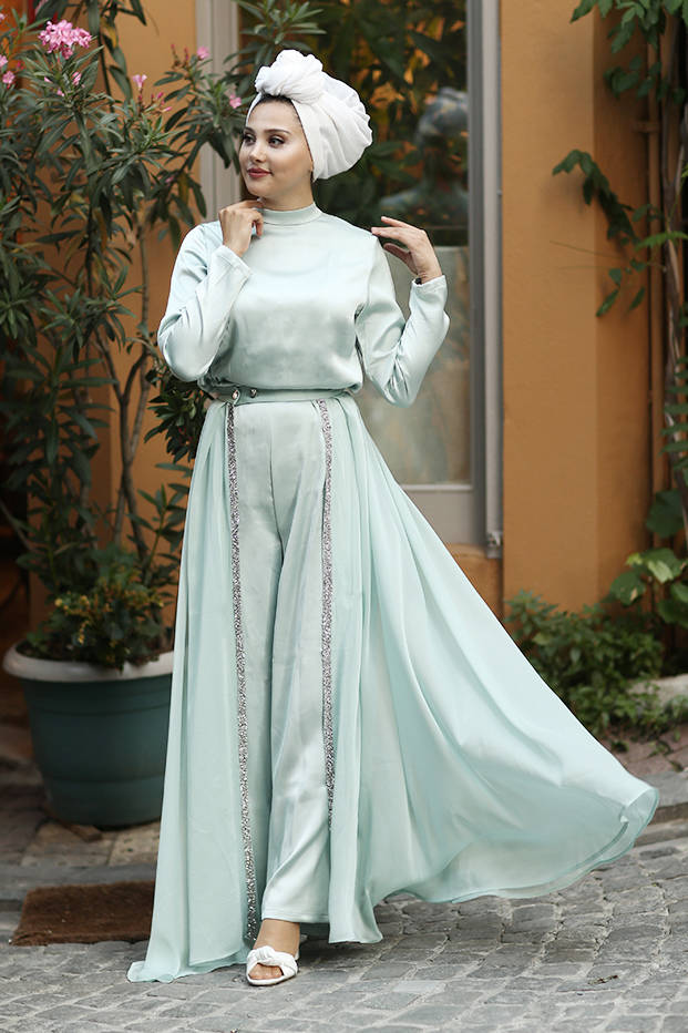 jumpsuit with hijab and belt