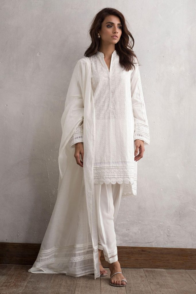 simple salwar kameez for petite ladies