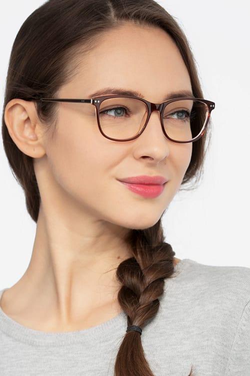 eyewear trends womens