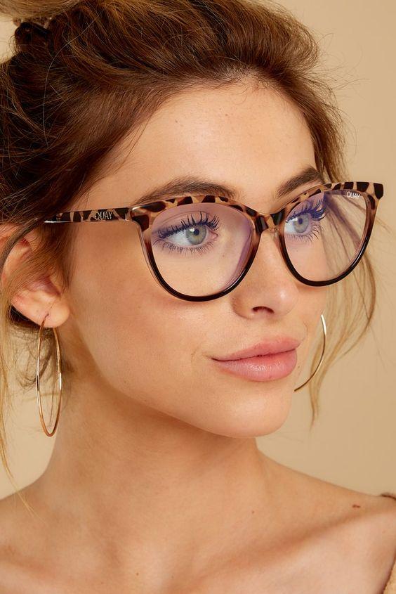 chunky tortoise shell glasses